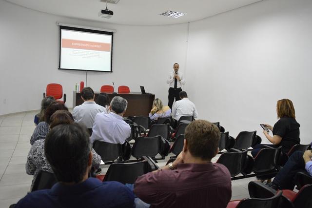 CRCPI discute criação de Fórum Municipal das Micro e Pequenas Empresas em reunião