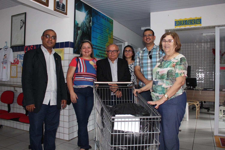 CRC-PI faz doação de donativos para abrigos de idosos de Teresina