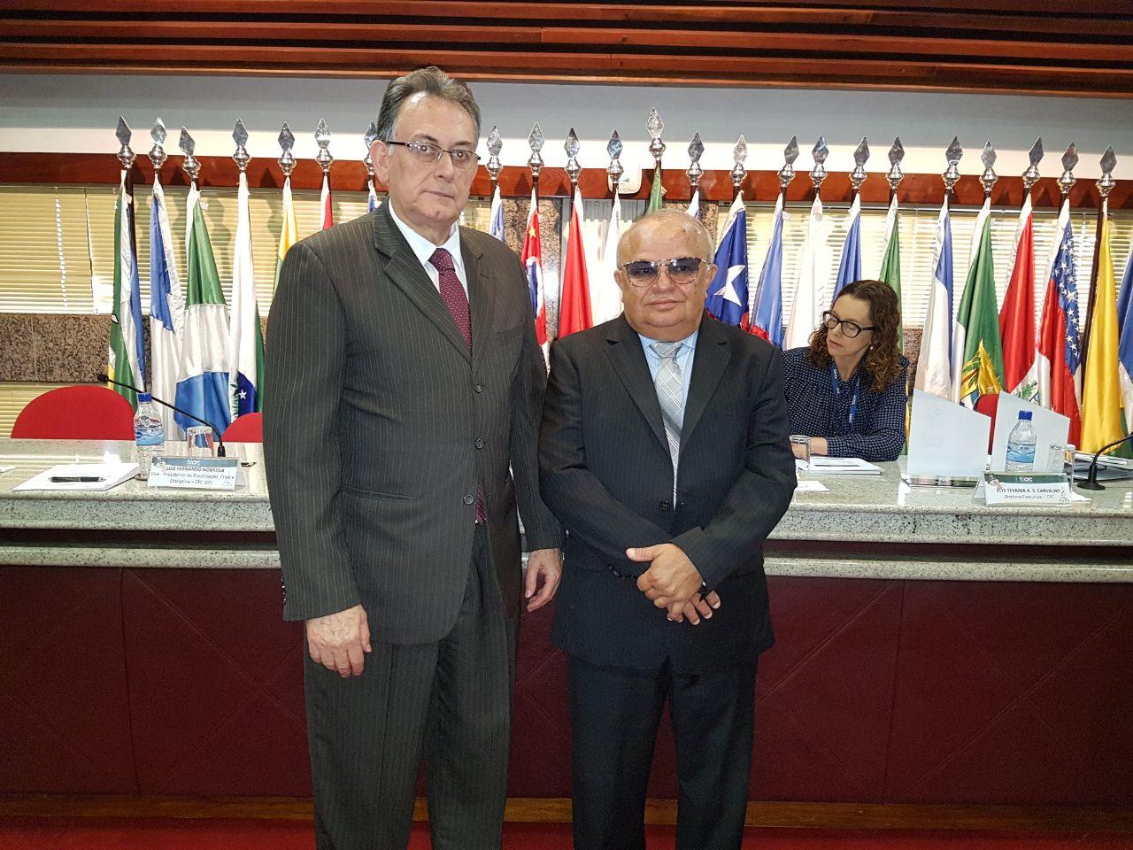 Josafam Bonfim com o vice-presidente do CFC, Nelson Zafra.