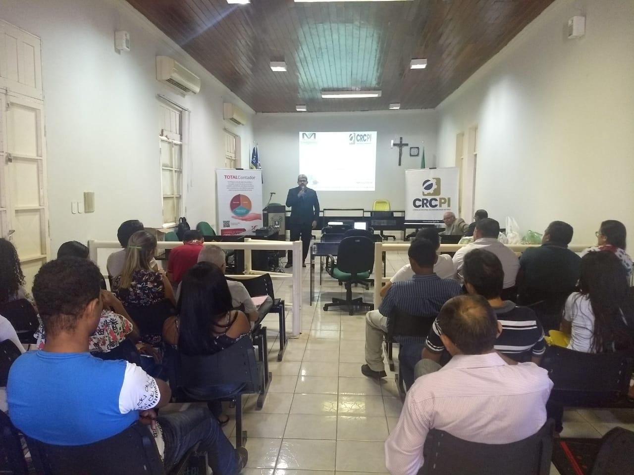 Profissionais de Barras participam de curso sobre eSocial e Simples Nacional