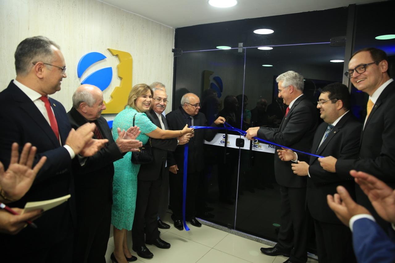 CRC-PI inaugura nova sede com homenagens e entrega de título de cidadania
