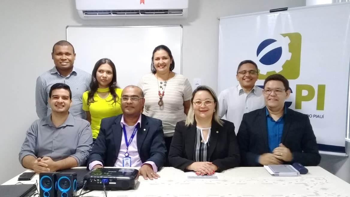 Formandos de contabilidade da FACET visitam sede do CRC-PI