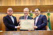 Presidente do CFC recebe título de cidadão piauiense